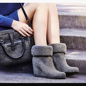 NWOT UGG Kyra Gray Suede Shearling Wedge Boot